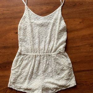 Forever 21 Lace Romper with Pockets. Size S
